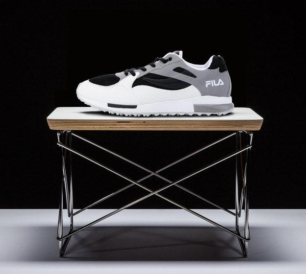 於90年代首度推出的訓練鞋款,2015年復刻版升級搭載輕量化模組中底_OVERPASS訓練鞋_NT$4,680.jpg