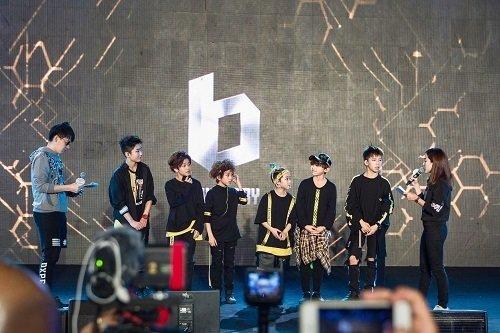 BOY STORY海外首唱獻給泰國 2.JPG