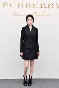 Han Hyo Joo wearing Burberry at the Burberry Womenswear February 2016 Show.jpg
