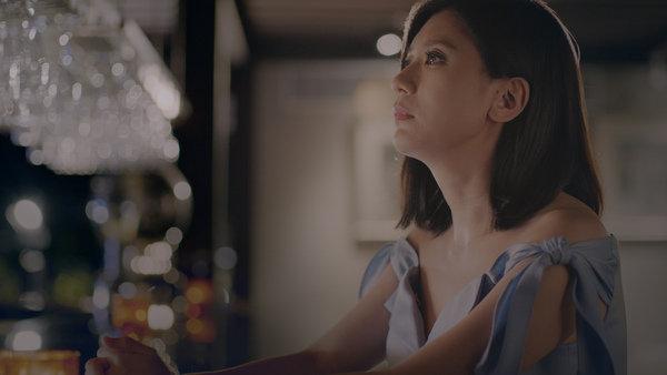 海倫仙度絲品牌代言人賈靜雯展現戲劇功力,在導演的要求下首度展現十秒落淚的演技。.jpg