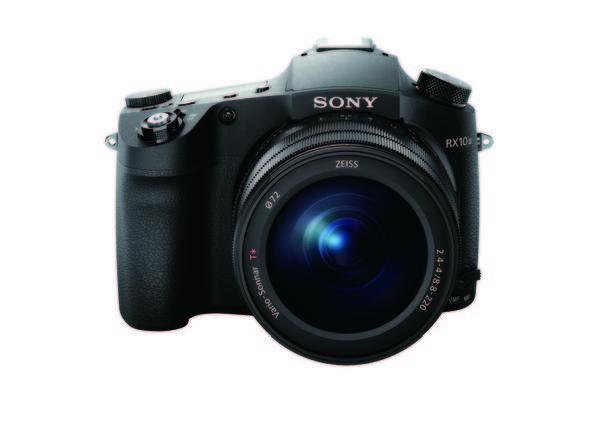 Sony RX10 III 具備全新研發 25 倍光學變焦 F2.4-4 大光圈蔡司 Vario-Sonnar 鏡頭,等同 24-600mm 的焦段表現,一機在手,景物「近」收眼底!.jpg