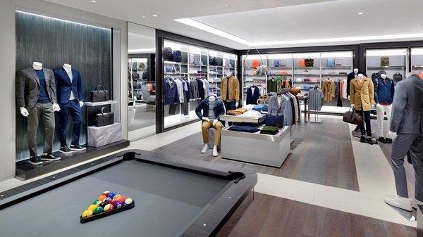 MICHAEL KORS 倫敦旗艦店包含全系列男士商品.jpg