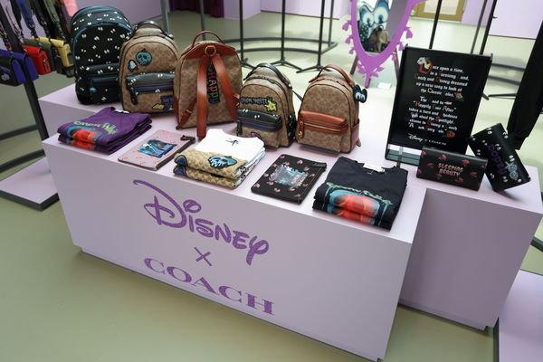 Disney X Coach A Dark Fairy Tale 快閃店店內照片-7.JPG