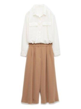 白色上衣 駝色寬褲:FRAY ID.jpg