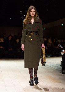 Burberry Womenswear February 2016 Collection - Look 45.jpg