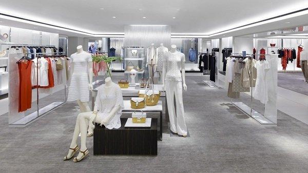 MICHAEL KORS 倫敦旗艦店正式開幕二樓女裝區.jpg