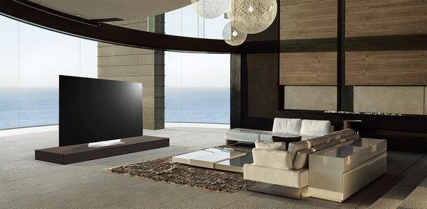 OLED65B6T則採用Cinema Screen設計,帶來1毫米電視邊框,減低邊框帶來的視覺影響,為消費者帶來猶如電影院般的大螢幕感受。.jpg
