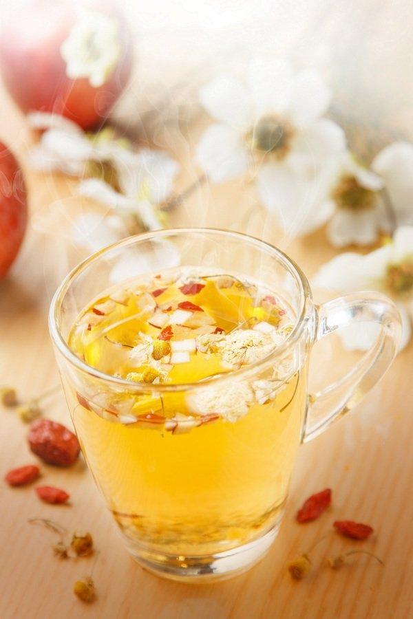 「蘋果洋甘菊茶」,以花香味十足的洋甘菊為基底,與蘋果的微酸尾韻完美融合,來自紅棗與枸杞的香甜滋味撲鼻而來,香氣柔和,舒緩安神.jpg