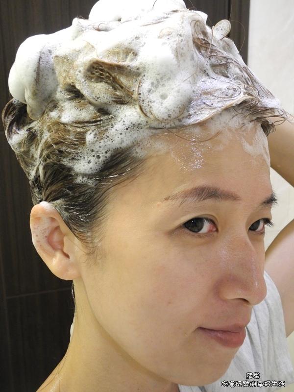 CLEAR淨植覺全新植萃淨透去屑洗髮露4.jpg