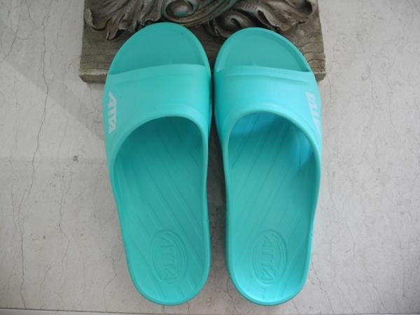 [體驗]好鞋推薦!ATTA艾堤堤亞 運動風簡約休閒拖鞋
