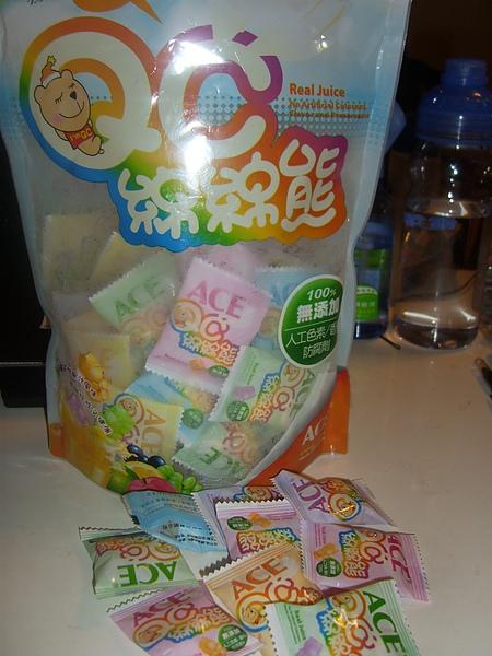 大人小孩都愛的六彩熊熊軟糖