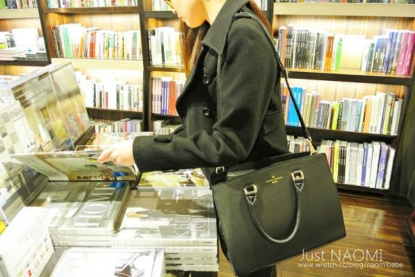 [穿搭]韓國品牌THEVAN黑色真皮OL上班包