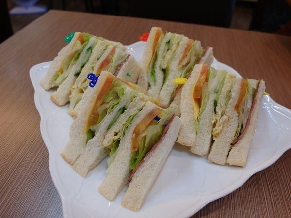 [捷運|美食] 萬華區咖啡店-得意咖啡♥價格親民又實惠,一起來下午茶放鬆一下吧