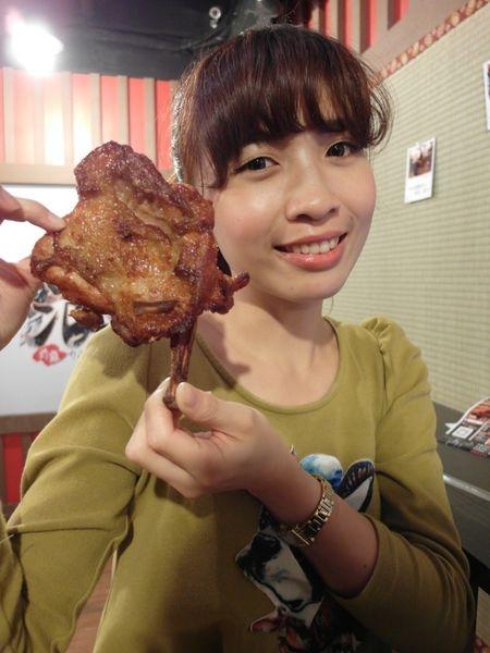 [台北車站|美食] 開封街美食-浪人炸雞♥一咬下去就噴汁的雞排!!