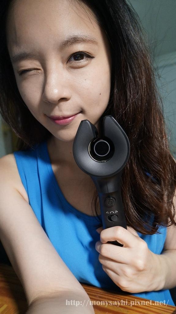 試用。手殘人的捲髮救星‧Philips Beauty HPS940空氣感自動捲髮器
