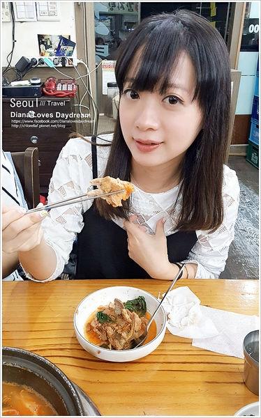 韓國 ▍首爾站 樂天超市旁24小時營業 ♥龍山元祖馬鈴薯排骨湯♥ 無敵好吃,會想念的味道
