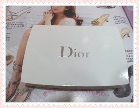 【彩妝】煥發如雪晶靈公主♥Dior雪晶靈極緻透白粉餅SPF30.PA+++