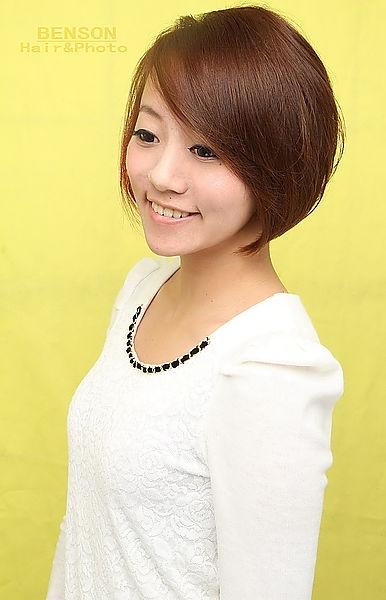 2014流行髮型~素人大改造短髮髮型~都會感十足的時尚女孩~西門町髮型BENSON