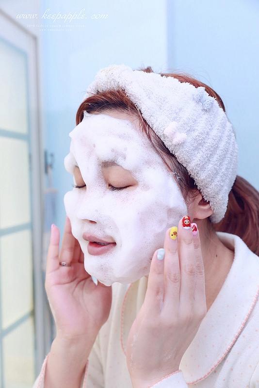 【清潔】泡泡潔顏洗出內建發亮水嫩肌。來自日本令人信賴的《Vernal 唯娜露》