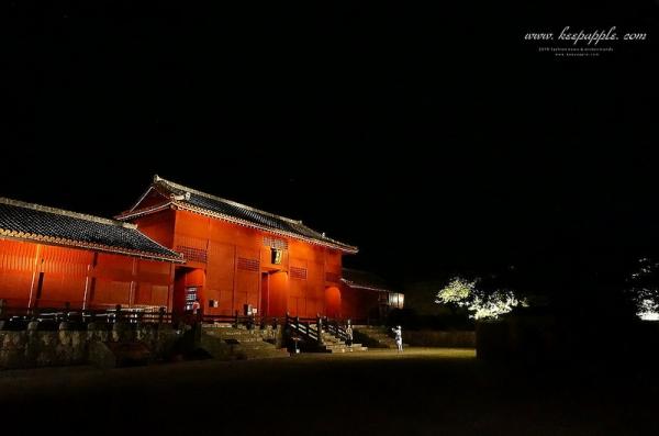 【逼先生專欄】沖繩自由行首里城周邊:古城白晝與夜晚的魅力、沖繩黑糖咖哩AJITOYA