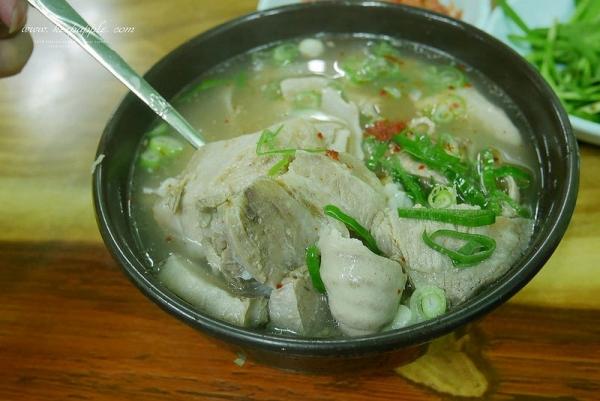 【逼先生專欄】《2016釜山自由行》1號線凡一站:六十年歷史的清澈湯頭,女生也能輕鬆享受的老奶奶豬肉湯飯