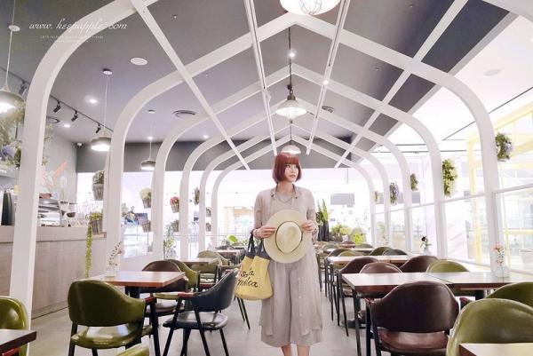 【逼先生專欄】《2016釜山自由行》2號線CENTUMCITY站「花咖啡廳 Viridian Leaf」