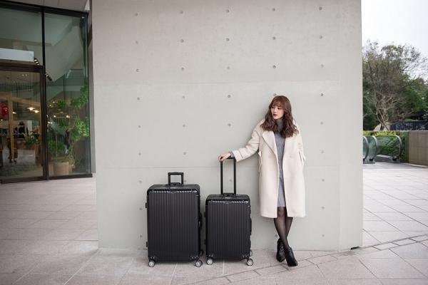 【行李箱推薦】時尚、實用、經典 // 我覺得超上相的Rowana旅行箱 閃耀律動系列