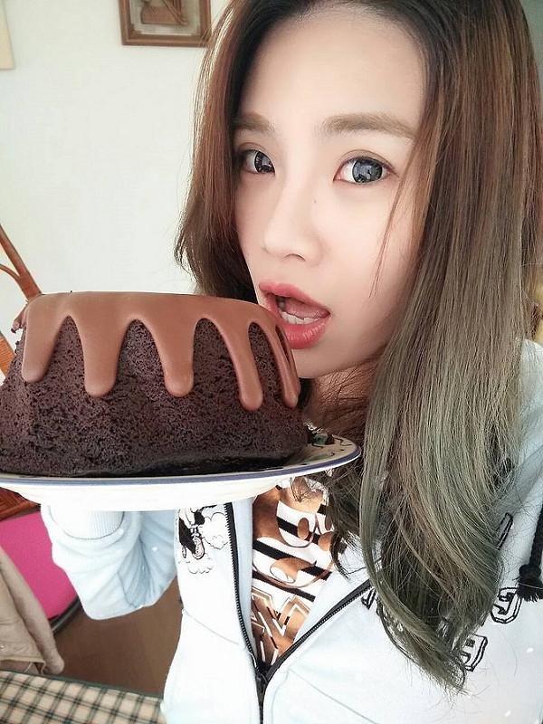 【逼先生專欄】《謎~推理巧克力蛋糕》來貝克街當福爾摩斯吃蛋糕!!!