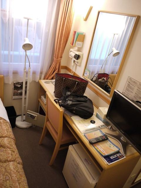 【遊記】2011日本十日遊Day1:池袋東橫INN、築地迴轉壽司、澀谷逛街血拼!!