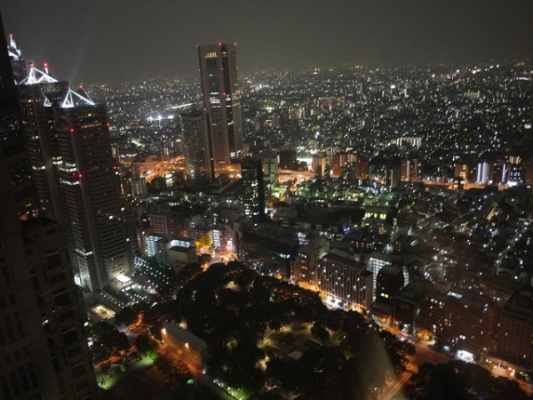 【遊記】2011日本十日遊Day3(下):東京都廳夜景、一蘭拉麵!!