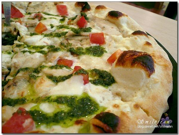 [食記]宜蘭市+TAVOLA 披薩(搬家囉)