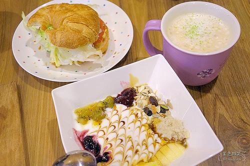 ▋宜蘭美食▋宜蘭市. 活力泉源~播放古典樂的手工優格早餐店
