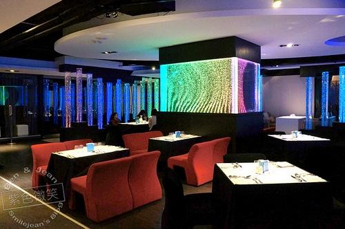 ▋台北餐廳▋飛魚座主題餐廳~有夜店fu的用餐空間
