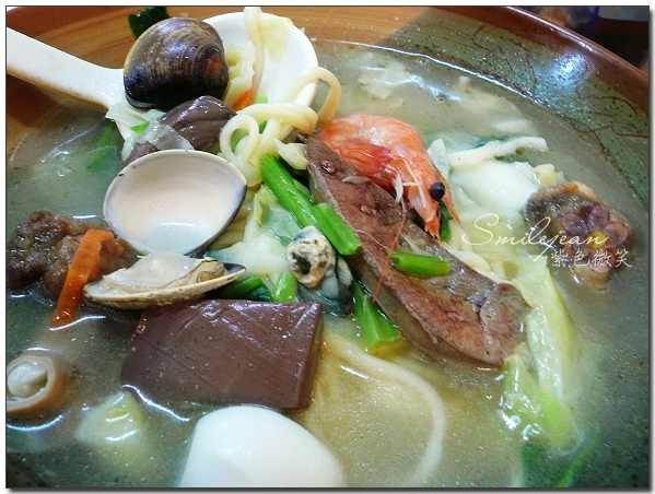 [宜蘭美食]宜蘭市北館市場+四海居什錦麵