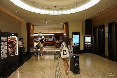 大阪住宿推薦 ▋格蘭比亞大飯店 (Hotel Granvia Osaka)ホテルグランヴィア大阪~大阪車站中央南口樓上,梅田區的的住宿好地點逛街購物吃東西超級方便