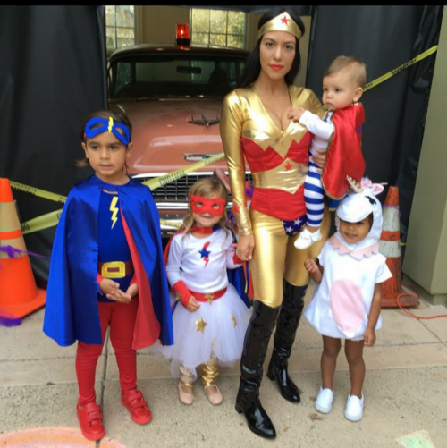 www.celebritybabyscoop.comkourtney-kardashians-superhero.png