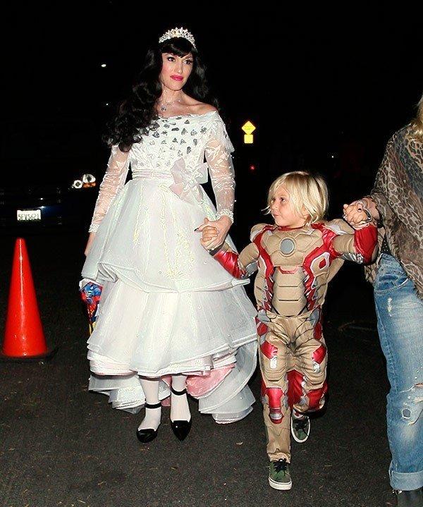 Pregnant singer Gwen Stefani.jpg
