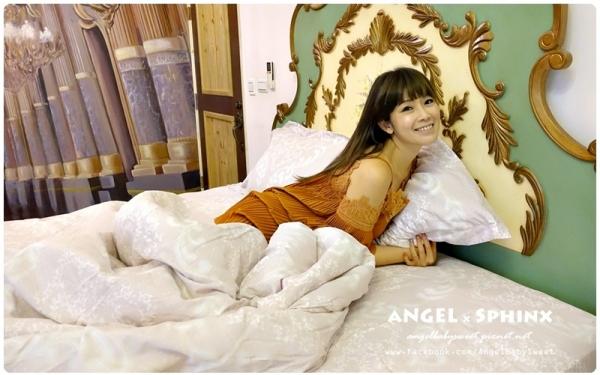 「居家」輕柔貼身透氣保暖一夜好眠  築夢小舖天絲兩用被床包 / Momo獨家款
