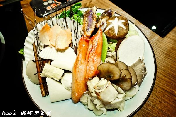 【台北大安】黑毛屋澳洲和牛鍋物專門店 北海道鱈場蟹鍋 - 湯醇味鮮,蟹極美(試吃)