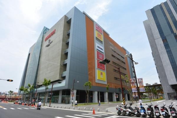 【苗栗頭份】尚順購物中心Shang Shun Mall-苗栗首座大型百貨商場~結合食宿育樂,旁有尚順育樂世界