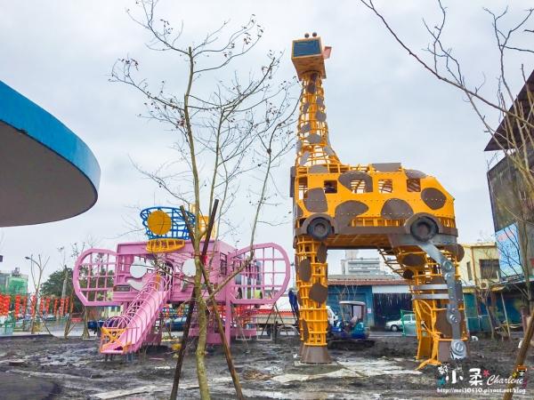 【宜蘭市】新景點「幸福轉運站」搶先報!2/4點燈開幕~活動2/7-2/14共8天活動~之後還有展示可拍照~幾米公園附近~報廢公車變身可愛動物裝置藝術也是遊樂器材~更有幾米新繪本進駐~充滿童趣
