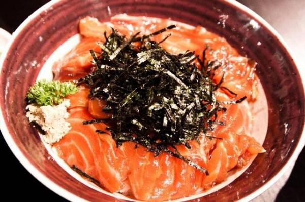 【台北中山】平價好吃~漬鮭丼$120元-玉丼 台灣之丼