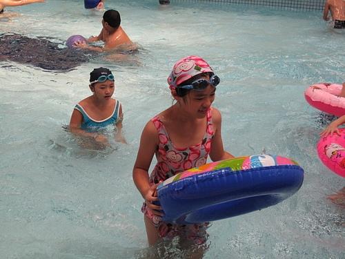 運動運動--游泳囉
