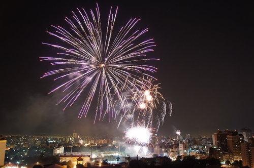 2011/1/1台中跨年煙火~祝大家新年快樂~心想事成