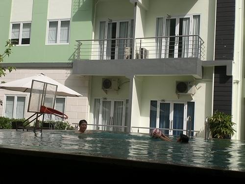 990508巴里島 Harris Hotel 游泳記