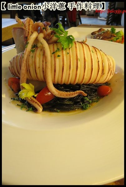【 嘉義美食 】【義大利麵】【 燉飯 】【 little onion小洋蔥 】 天然。手作。創意。經典  享受鮮甜海味與義大利麵層層堆疊的細膩口感
