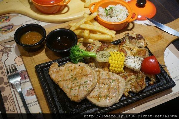 (美食)北市西門 西門町平價牛排推薦✔不使用重組肉 豬排、雞排也好好吃!::苾亞朵炙燒牛排::