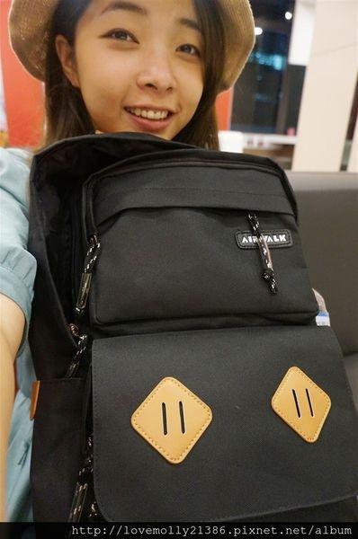 (穿搭)我的大容量筆電包♥男女通殺超有型!::AIRWALK韓系耀眼系列筆電包::
