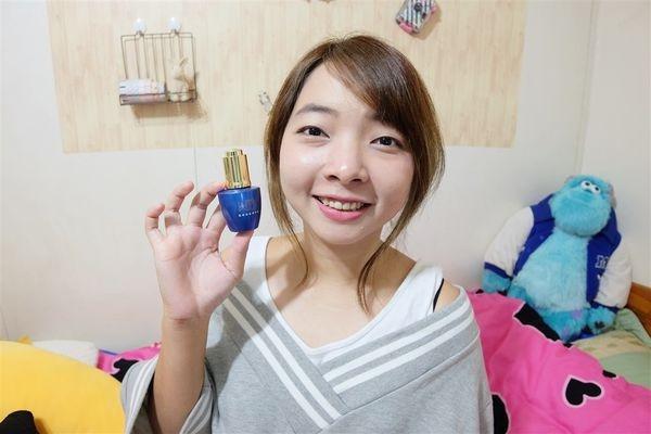 (體驗)「WIIB 藍銅胜肽精華液」保濕低敏精華液讓你水潤透亮一整天!