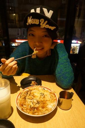 (美食)東區重量級的屯京拉麵  滿足你的胃  歐伊係!!!!!